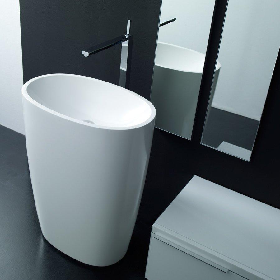 fritstående håndvask MO ON FLOOR   Smuk oval fritstående håndvask fremstillet i Monolith fritstående håndvask