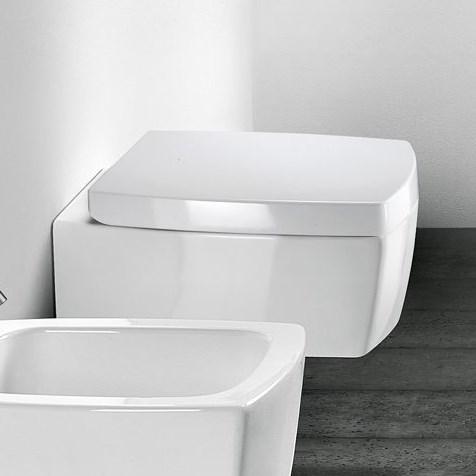 Hvidt toiletsæde med soft close til Square toilet